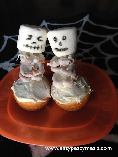 Halloween: Skeleton Cupcakes
