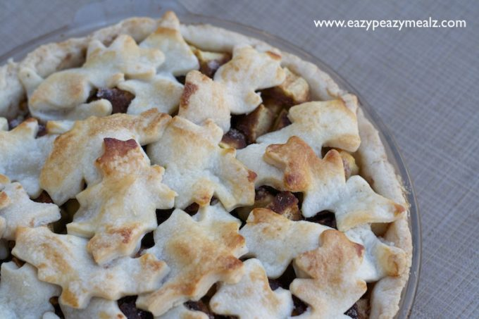 apple pie with leaf crust