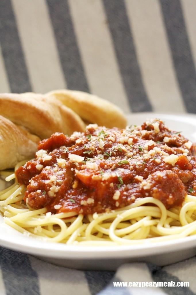 Spaghetti with Meat Sauce - Eazy Peazy Mealz