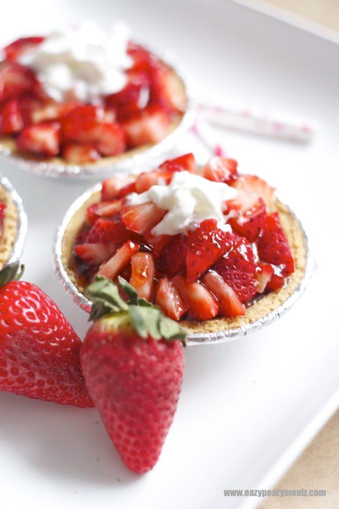 strawberry cheesecake tart, eazy peazy mealz
