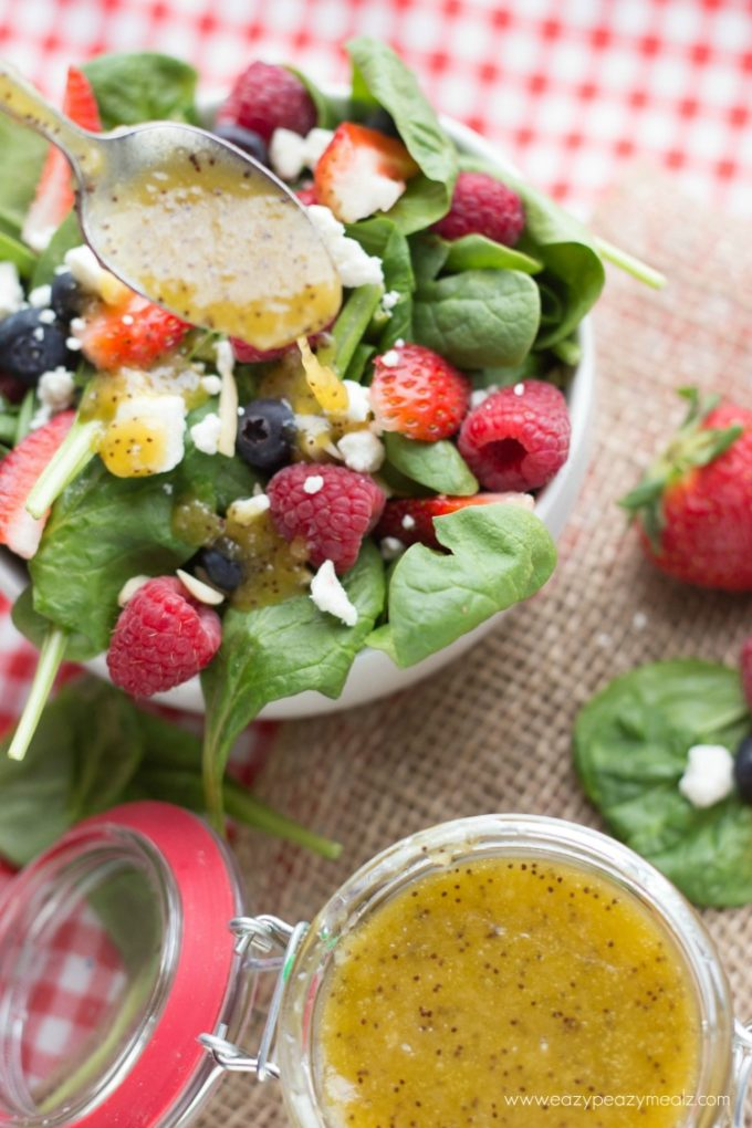 Poppy seed dressing, the perfect summer salad, spinach berry salad