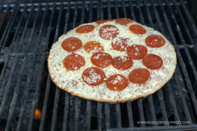 Grilled Pizza How To Grill Frozen Pizza Easy Peasy Meals