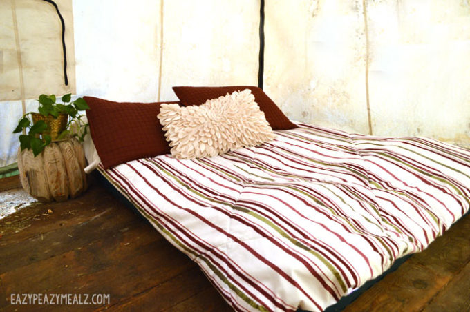 bed-in-tent & Dutch Oven Cheesecake + Glamping - Eazy Peazy Mealz