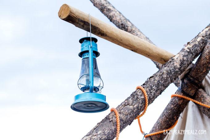 lantern-and-ropes
