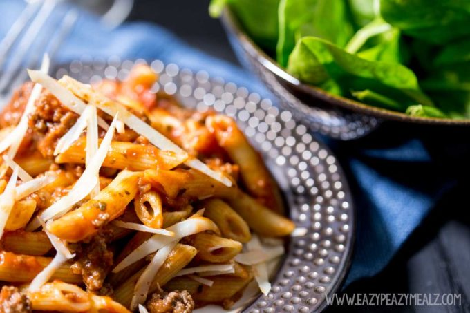 A simple weeknight meal, a delicious and easy pasta, beef marinara penne dinner