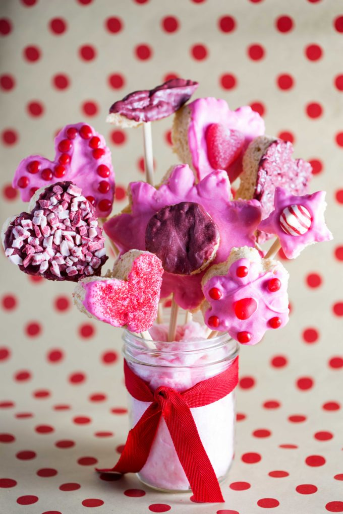 Valentine\'s Day Rice Krispies Treats Bouquet - Easy Peasy Meals