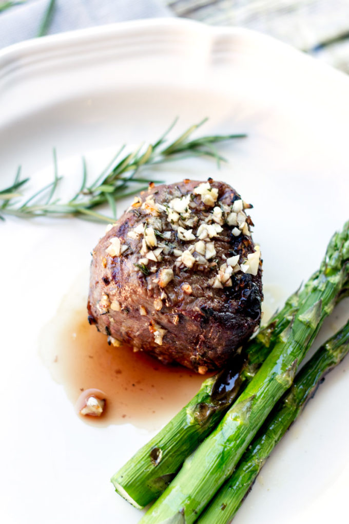 10 garlic clove marinated grilled filet eazy peazy mealz - Best marinade for filet mignon on grill ...
