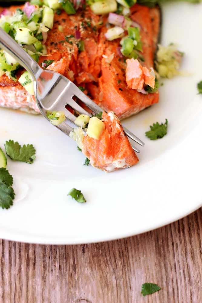 pan_seared_salmon_cucumber_lime_salsa_Final