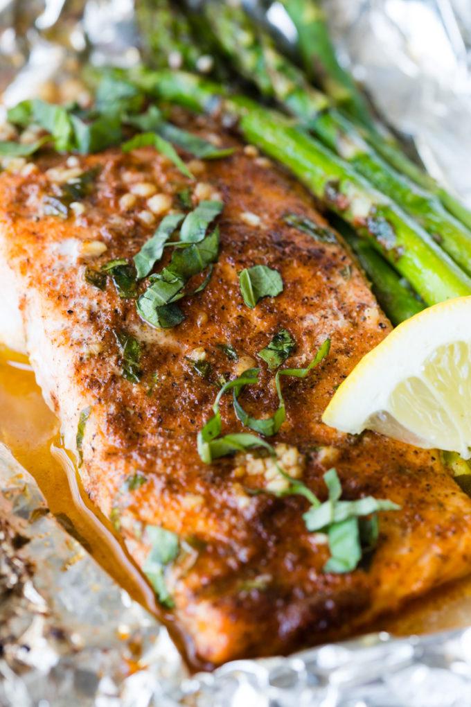 Lemon Basil Salmon and Asparagus Foil Packets