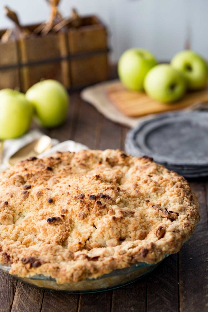 A thick and delicious apple pie with a crumble topping. This dutch apple pie is a real treat