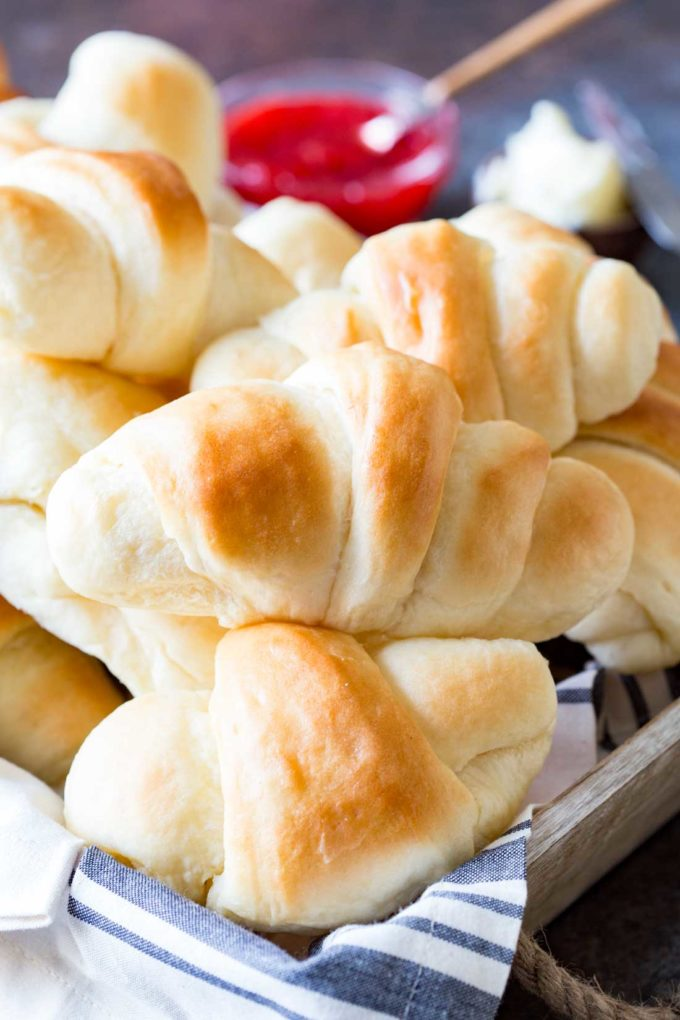 Quick and simple dinner rolls with so much flavor! Tender, light, fluffy, buttery, delicious.