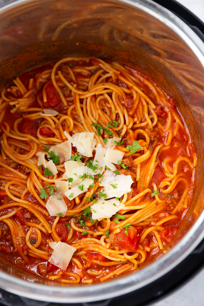instant pot spaghetti with meat sauce in the pot.