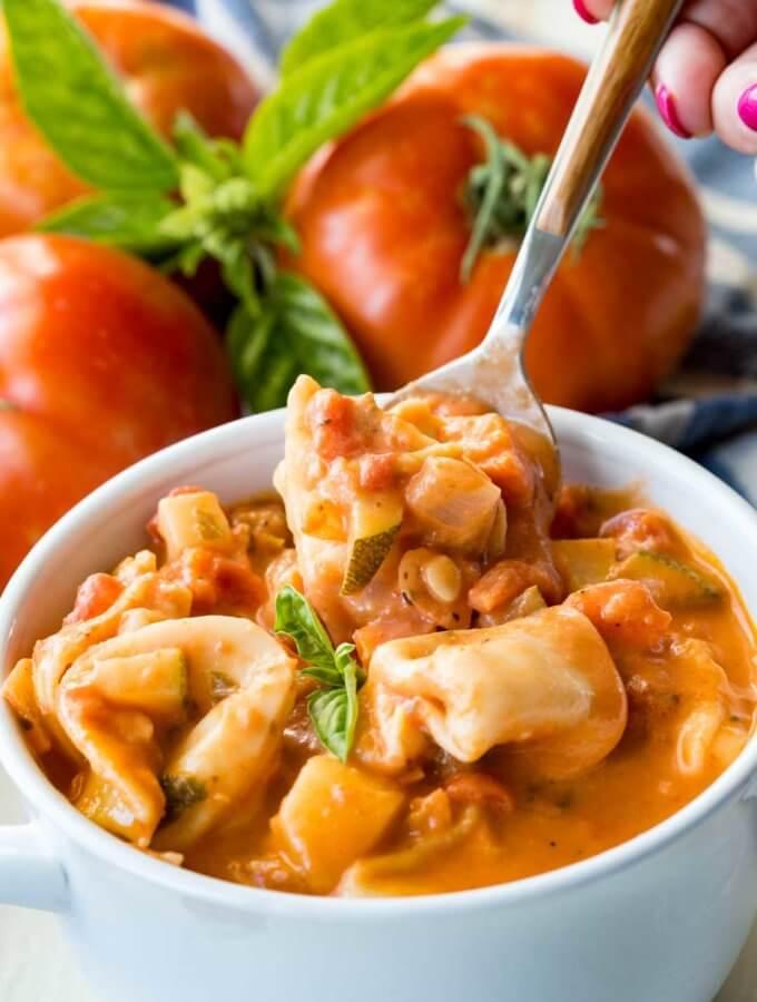 Creamy Tomato Basil Tortellini Soup