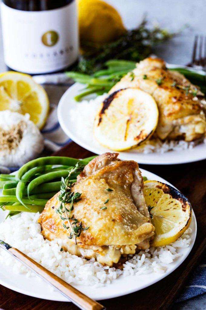 Skillet Garlic Chicken with Lemon and White Wine Sauce