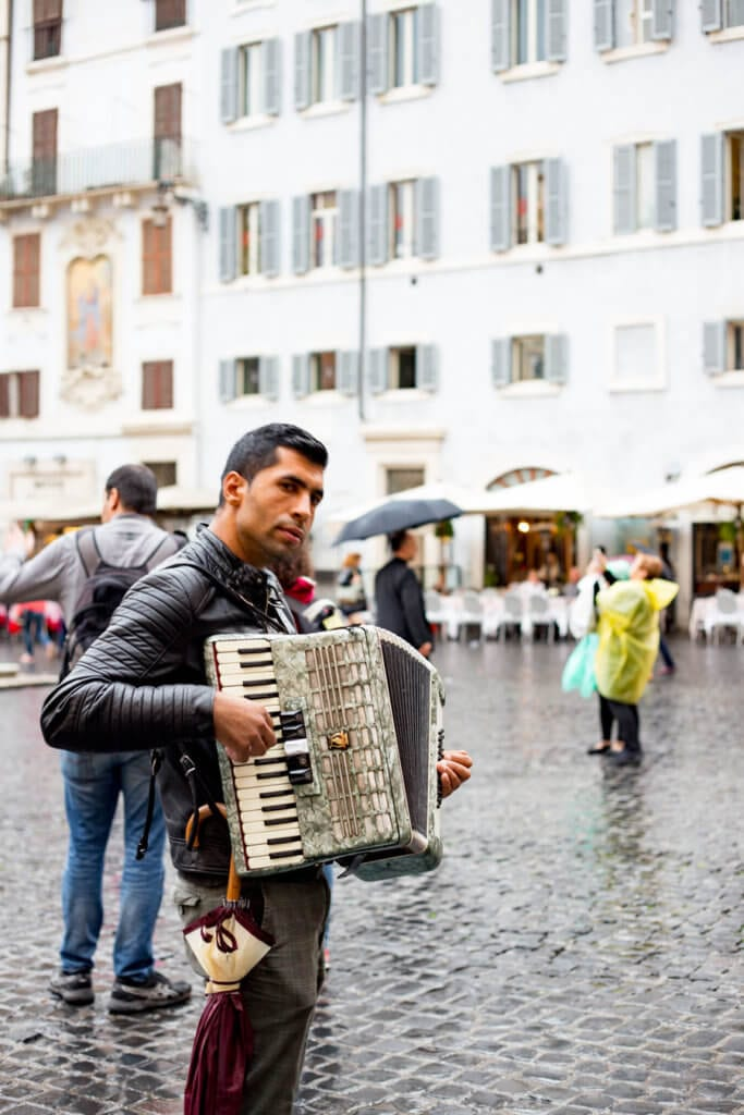 Rome accordion player by Pantheon