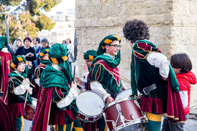Noto Italy drummers