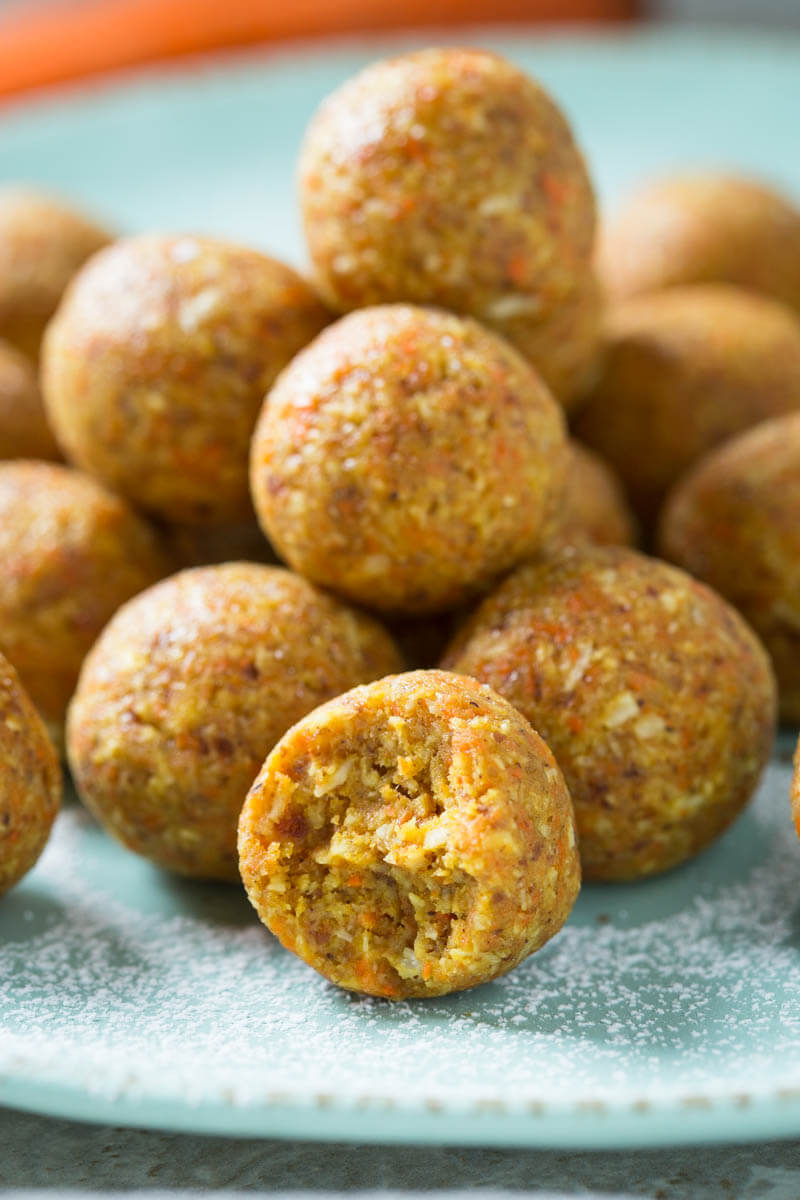 Get all the flavors of carrot cakes in these Carrot Cake Bites. Perfect for dessert or snacks, these no-bake carrot cake balls are super easy to prepare.