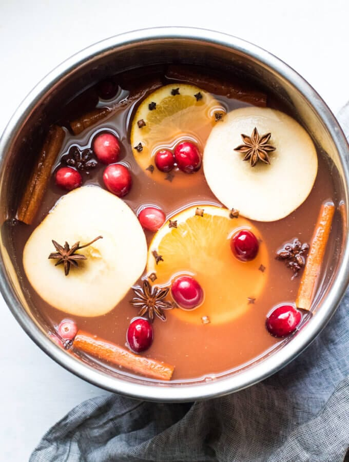 Warm Mulled Cranberry Apple Cider