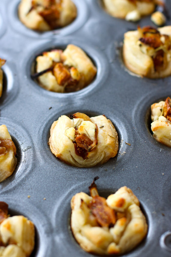 Caramelized Onion, Fig & Goat Cheese Bites - Eazy Peazy Mealz