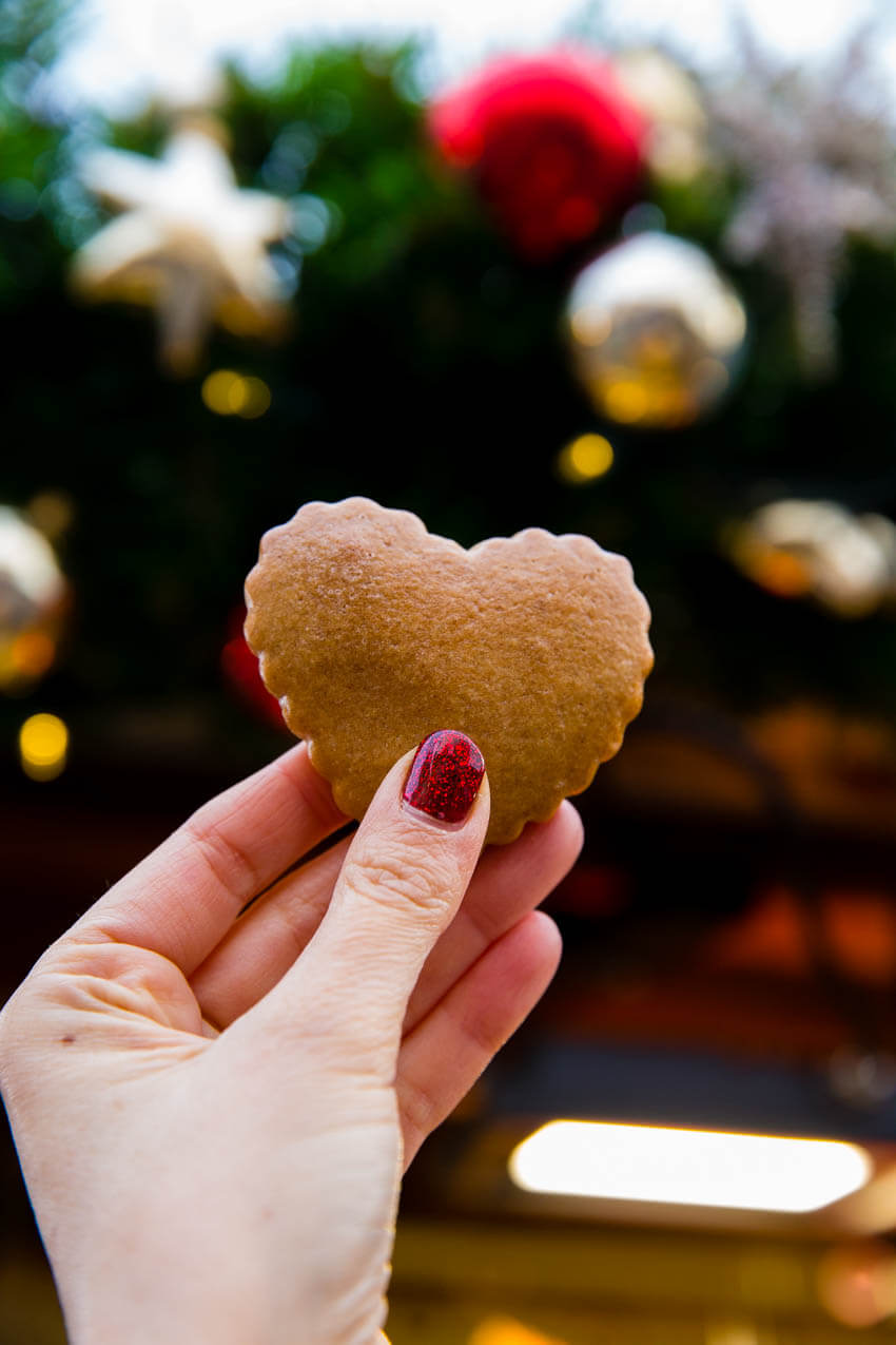 Gingerbread cookies at the European Christmas Markets, one of my top recommended Christmas Market Foods