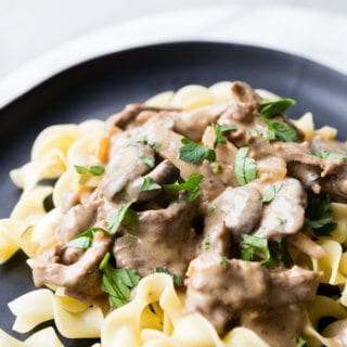 nstant Pot beef stroganoff, beef stroganoff made in the pressure cooker