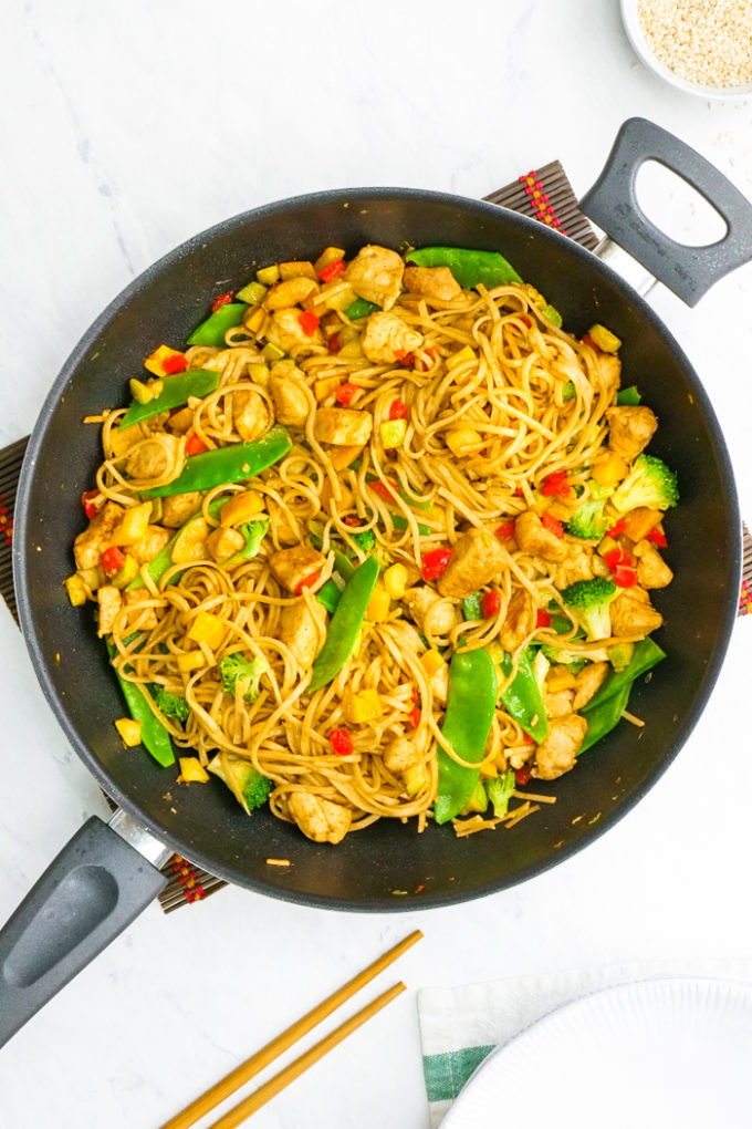 Garlic chicken lo mein