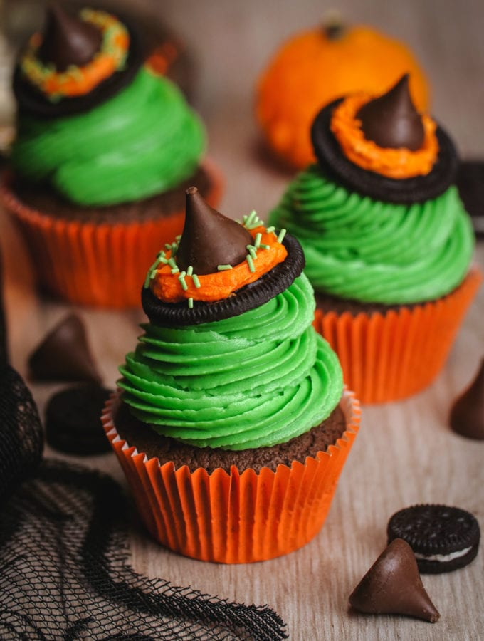 Halloween Cupcakes: Witches Hat Cupcakes